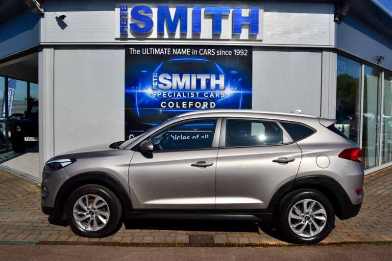 used Hyundai Tucson 2.0 CRDI SE NAVIGATION BLUE DRIVE 2015/65 ONE OWNER ONLY 14000 MILES in forest-of-dean-gloucestershire