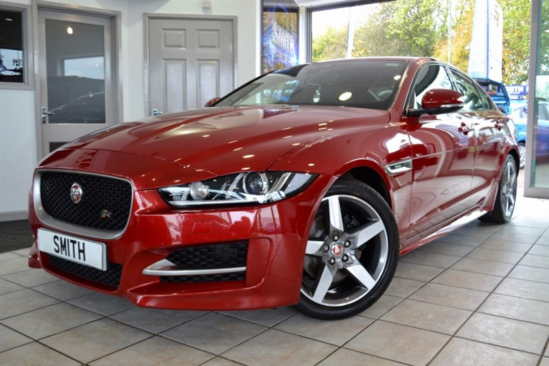 used Jaguar XE 2.0 D R-SPORT AUTO ONLY 29000 MILES BLACK LEATHER AND NAVIGATION 2018/68 in forest-of-dean-gloucestershire