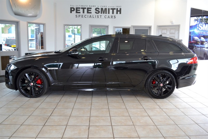 used Jaguar XF 3.0 D V6 S PORTFOLIO SPORTBRAKE ESTATE 2014/14 WITH RED AND BLACK LEATHER in forest-of-dean-gloucestershire