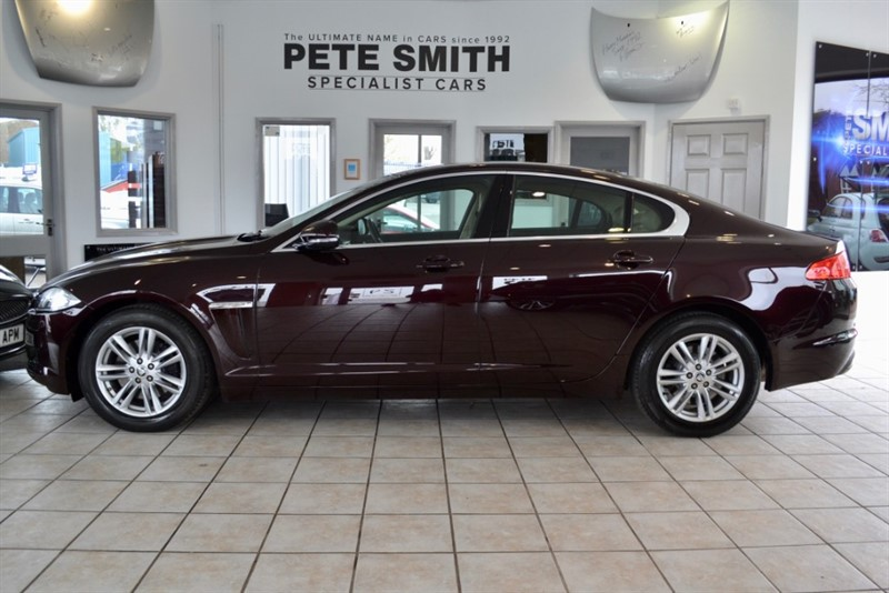 used Jaguar XF 3.O V6 LUXURY AUTOMATIC WITH FULL LEATHER AND NAVIGATION 2012/62 in forest-of-dean-gloucestershire