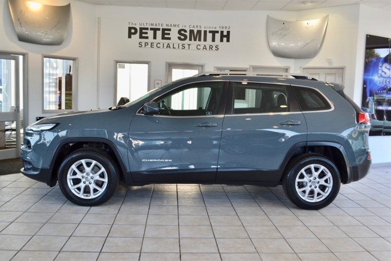 used Jeep Cherokee 2.0 M-JET LONGITUDE WITH JUST 19000 MILES FROM NEW 2015/15 in forest-of-dean-gloucestershire