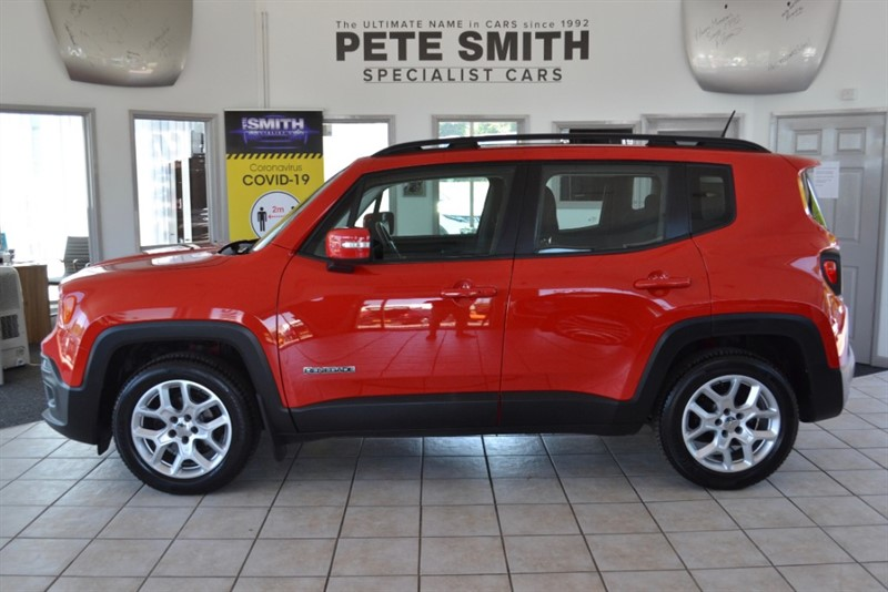 used Jeep Renegade 1.4 TURBO LONGITUDE 5 DOOR ONLY 32000 MILES  WITH A SLIDING PANORAMIC ROOF 2015/64 in forest-of-dean-gloucestershire