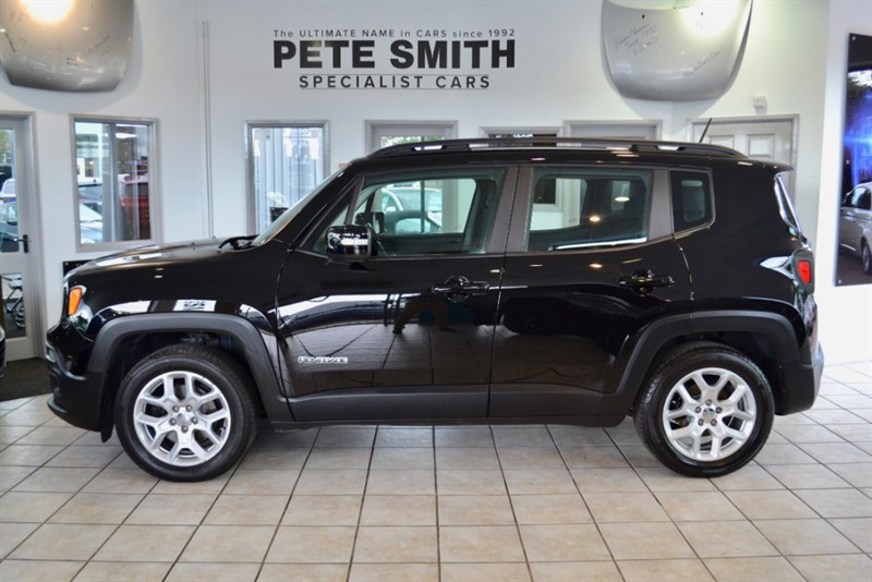 used Jeep Renegade 1.6 LONGITUDE SAT NAV 5 DOOR  ONE OWNER ONLY 18000 MILES WITH FULL SERVICE HISTORY 2017/67 in forest-of-dean-gloucestershire