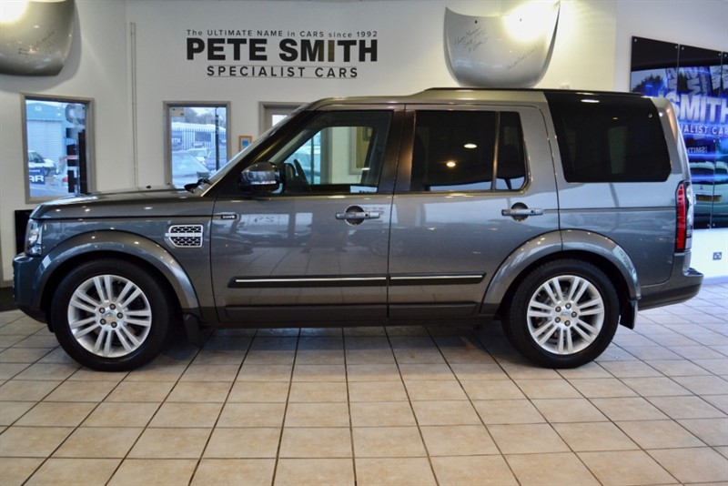 used Land Rover Discovery 3.0 SDV6 HSE NAVIGATION TRIPLE SUNROOFS FULL SERVICE HISTORY 2014/14 in forest-of-dean-gloucestershire