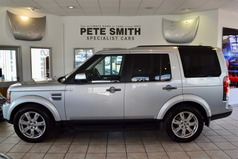 used Land Rover Discovery 3.0 SDV6 HSE WITH BLACK LEATHER  AND SERVICE HISTORY 2011/61 in forest-of-dean-gloucestershire