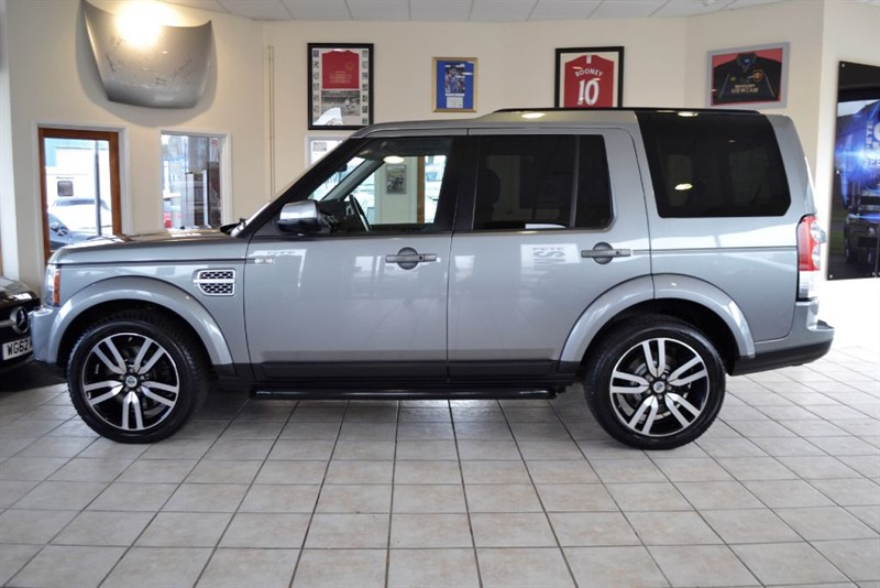used Land Rover Discovery 4 SDV6 HSE WITH REAR ENTERTAINMENT PACKAGE  in forest-of-dean-gloucestershire