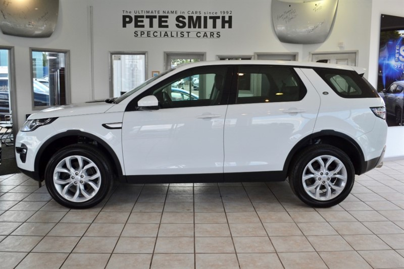 used Land Rover Discovery Sport 2.0 TD4 HSE 4WD 7 SEATS ONE OWNER WITH ONLY 9000 MILES AND PANORAMIC ROOF 2018/67 in forest-of-dean-gloucestershire
