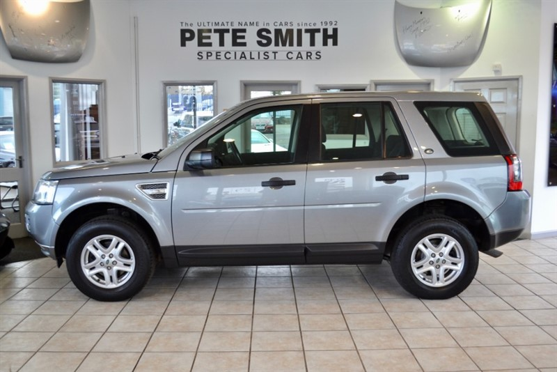 used Land Rover Freelander 2.0 TD4 S 5 DOOR WITH A FULL SERVICE HISTORY 2012/12 in forest-of-dean-gloucestershire