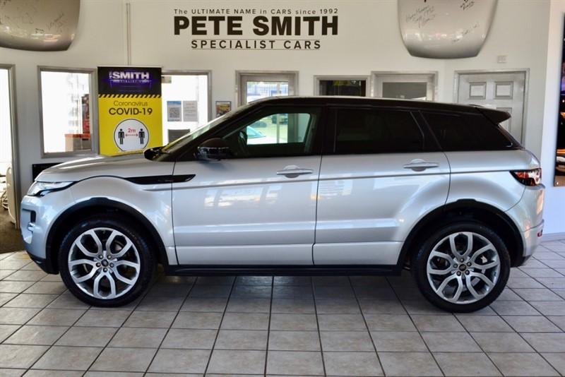 used Land Rover Range Rover Evoque 2.0 SI4 DYNAMIC LUX AUTO 5 DOOR PANORAMIC ROOF AMAZING SPEC RARE EXAMPLE 2015/15 in forest-of-dean-gloucestershire