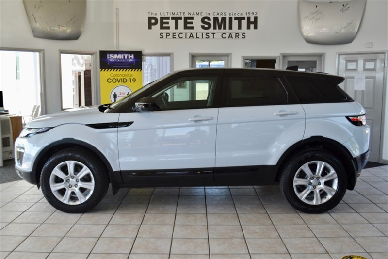 used Land Rover Range Rover Evoque 2.0 TD4 SE TECH 5 DOOR ONE OWNER AND JUST 13000 MILES  GREAT SPEC 2017/17 in forest-of-dean-gloucestershire