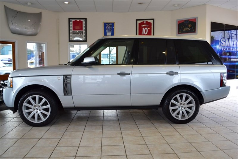 used Land Rover Range Rover 4.4 TDV8 VOGUE SE LANDROVER PLUS ONE OWNER  in forest-of-dean-gloucestershire