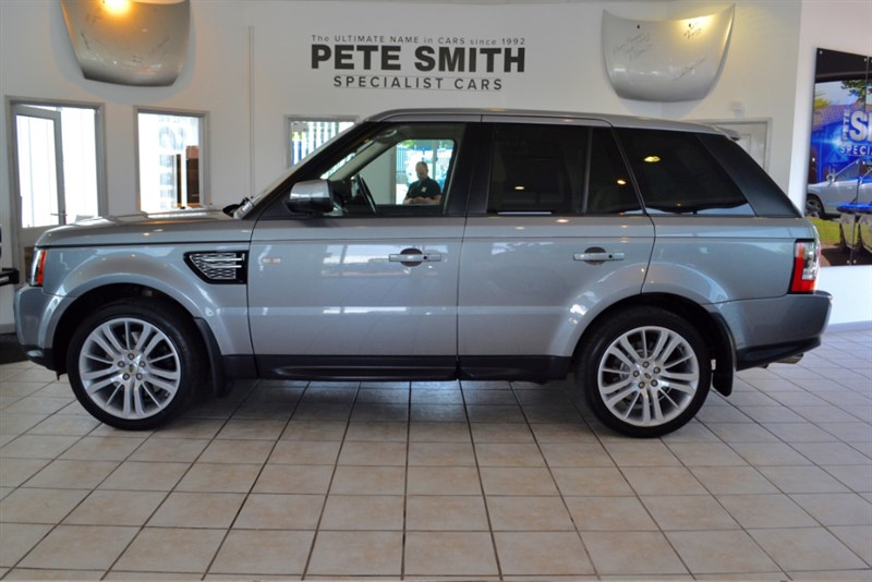 used Land Rover Range Rover Sport 3.0 SDV6 HSE COMPLETE WITH FULL LAND ROVER SERVICE HISTORY 2012/12 in forest-of-dean-gloucestershire