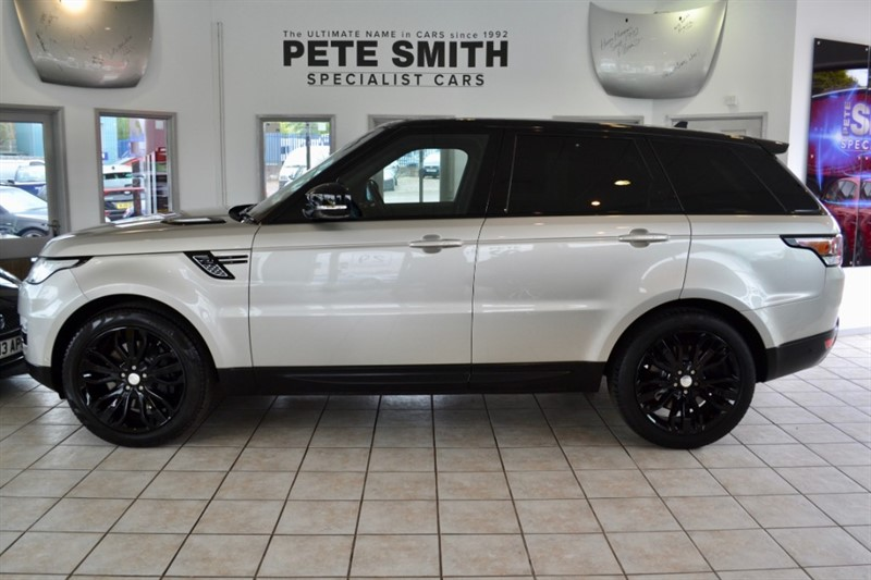 used Land Rover Range Rover Sport 3.0 SDV6 HSE DYNAMIC ONE 2014/64 ONE OWNER WITH HIGH GLOSS BLACK ALLOYS AND PANORAMIC ROOF in forest-of-dean-gloucestershire