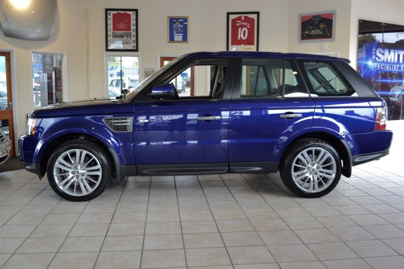 used Land Rover Range Rover Sport 3.0 TDV6 HSE WITH COLOUR NAVIGATION in forest-of-dean-gloucestershire