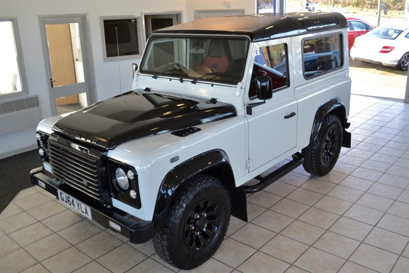 used Land Rover Defender 2.2 TD XS STATION WAGON STUNNING ONE OFF EXAMPLE 2014/64 in forest-of-dean-gloucestershire