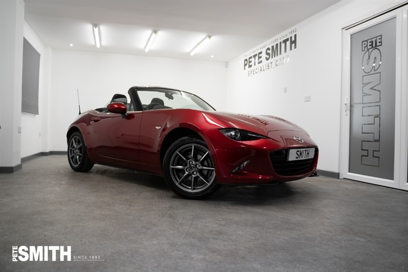 used Mazda MX-5 1.5 SKYACTIV-G SE PLUS CONVERTIBLE ONLY 3000 MILES 2019/19 in forest-of-dean-gloucestershire