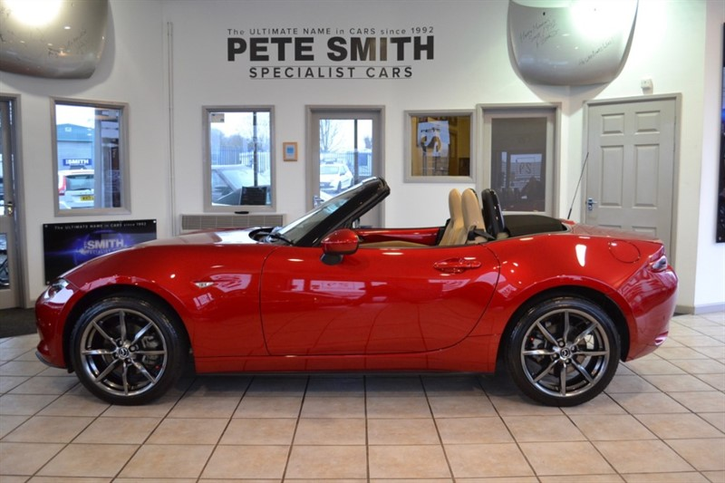 used Mazda MX-5 2.O SKY ACTIV-G SPORT NAV TECHNOLOGY ONE OWNER ONLY 12000 MILES FULL LEATHER 2016/66 in forest-of-dean-gloucestershire