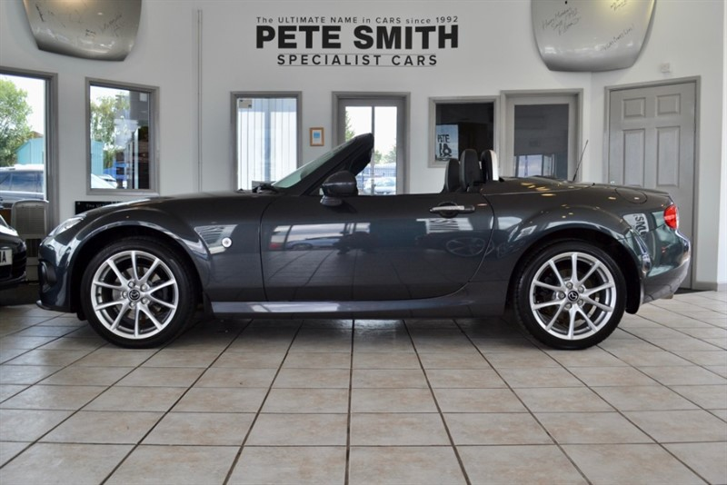 used Mazda MX-5 2.0 I ROADSTER SPORT TECH WITH ONLY 9000 MILES 2014/14 in forest-of-dean-gloucestershire