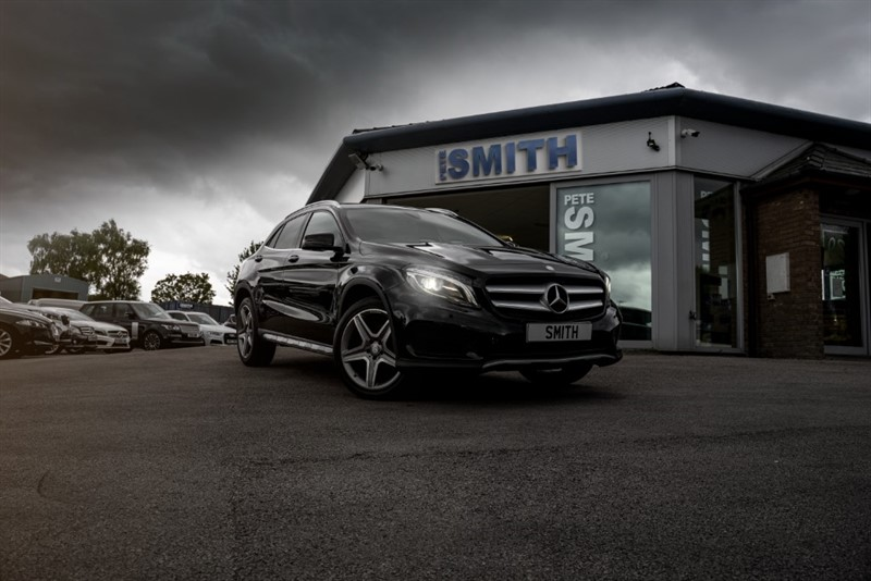used Mercedes GLA220 2.2 D 4MATIC AMG LINE PREMIUM PLUS 5 DOOR AUTOMATIC PANORAMIC ROOF ONE OWNER  2017/17 in forest-of-dean-gloucestershire
