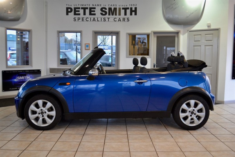 used MINI Convertible 1.6 ONE FINISHED IN LIGHTNING BLUE METALLIC WITH A FULL SERVICE HISTORY 2007/07 in forest-of-dean-gloucestershire