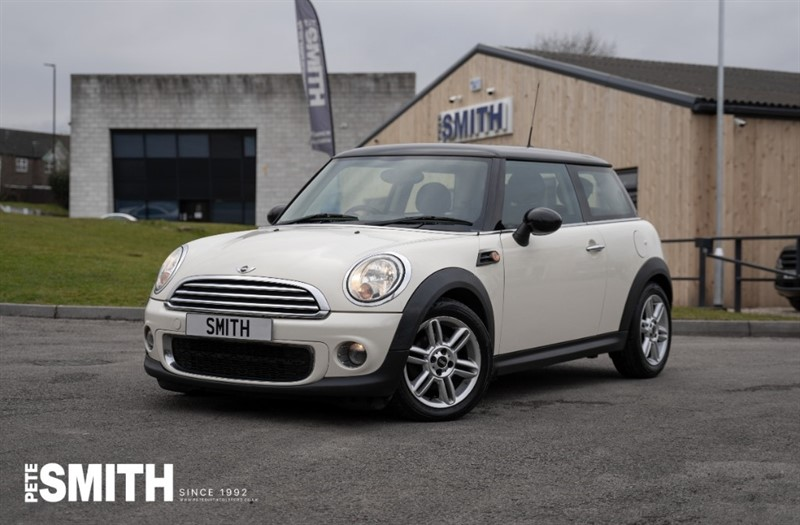 used MINI Cooper 1.6 COOPER D 3 DOOR ZERO ROAD TAX TO PAY 2011/11 in forest-of-dean-gloucestershire