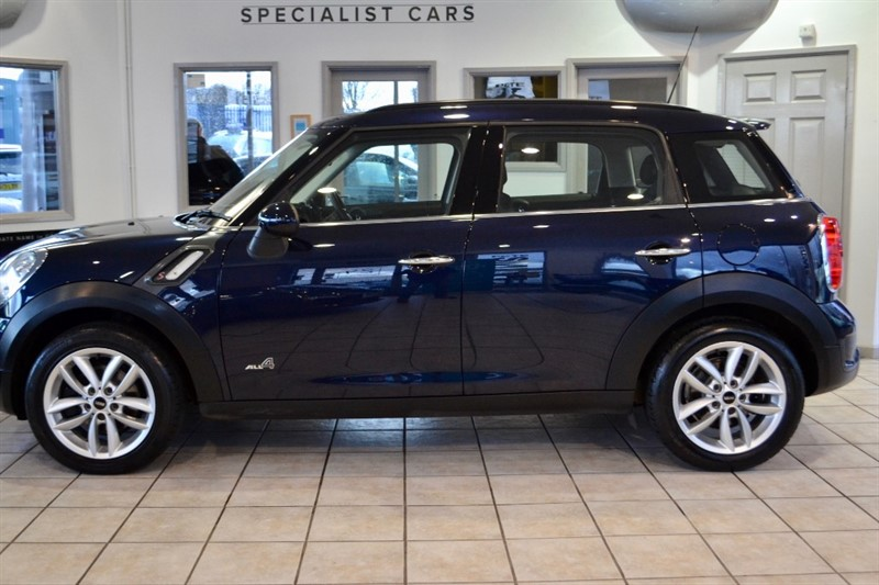 used MINI Countryman 2.0 COOPER SD ALL4 5 DOOR ONE OWNER ONLY 31000 MILES NAVIGATION AND PANORAMIC ROOF  2013/13 in forest-of-dean-gloucestershire