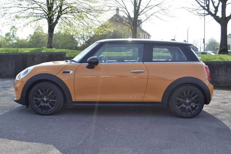 used MINI Hatch 1.6 COOPER D 2014/64 WITH PANORAMIC GLASS SLIDING ROOF in forest-of-dean-gloucestershire