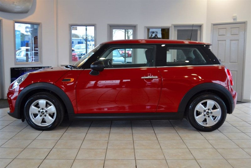 used MINI Hatch 1.2 ONE NEW SHAPE WITH ONE OWNER FROM NEW AND SERVICE PACK UNTILL  in forest-of-dean-gloucestershire