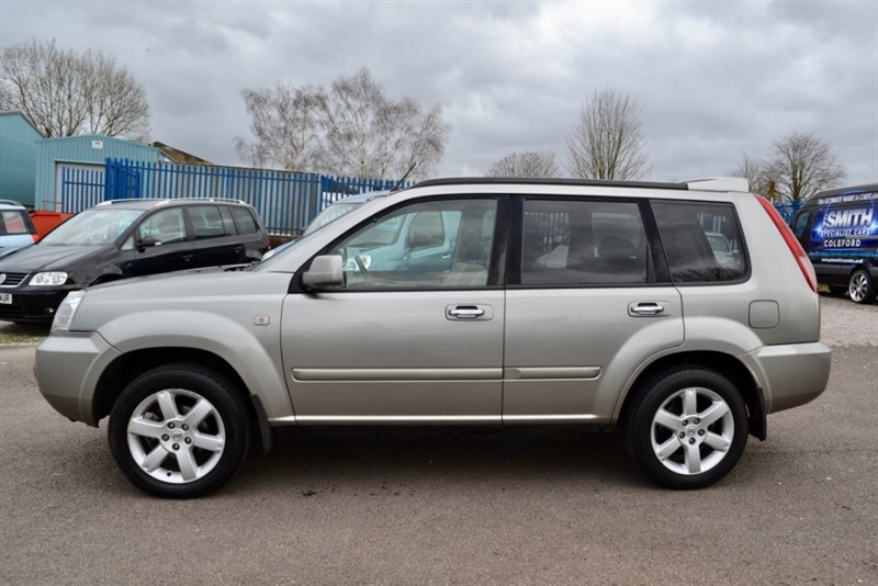 used Nissan X-Trail 2.2 DCI COLUMBIA 5 DOOR TAKEN IN PART EXCHANGE AND PRICED TO CLEAR 2006/56 in forest-of-dean-gloucestershire