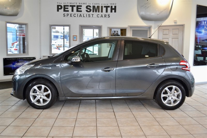 used Peugeot 208 1.2 VTi PURE TECH STYLE PANORAMIC ROOF 2014/64 in forest-of-dean-gloucestershire