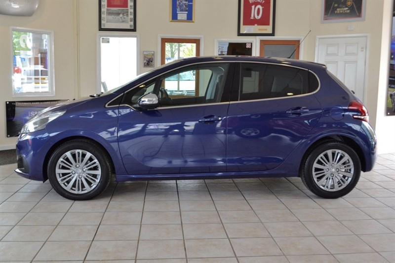 used Peugeot 208 1.6 BLUE HDI ALLURE WITH £FREE ROAD TAX in forest-of-dean-gloucestershire