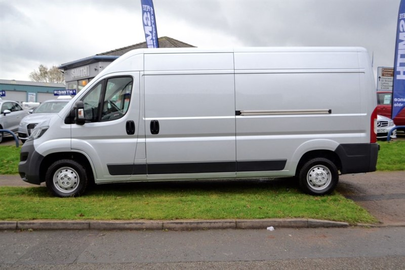 used Peugeot Boxer 2.2 HDI 335 L3H2 PROFESSIONAL P/V WITH NAVIGATION in forest-of-dean-gloucestershire