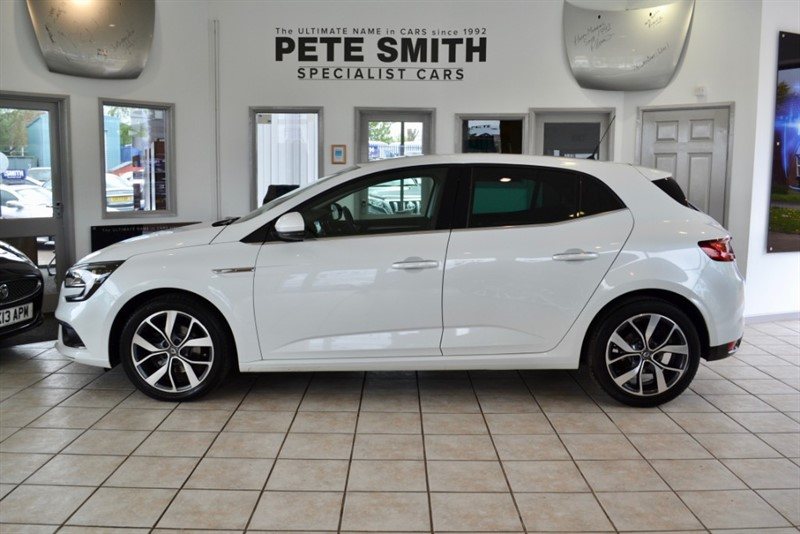 used Renault Megane 1.5 DYNAMIQUE S NAV DCI 5 DOOR 2017/67 ONE OWNER 22000 MILES AND A GREAT SPECIFICATION in forest-of-dean-gloucestershire
