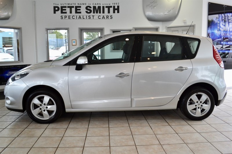 used Renault Scenic 1.6 VVT DYNAMIQUE FULL SERVICE HISTORY 2010/10 in forest-of-dean-gloucestershire