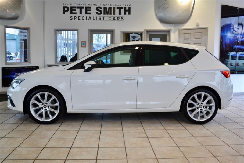 used SEAT Leon 1.8 TSI FR TECHNOLOGY WITH JUST 9000 MILES ONE OWNER 2017/17 in forest-of-dean-gloucestershire