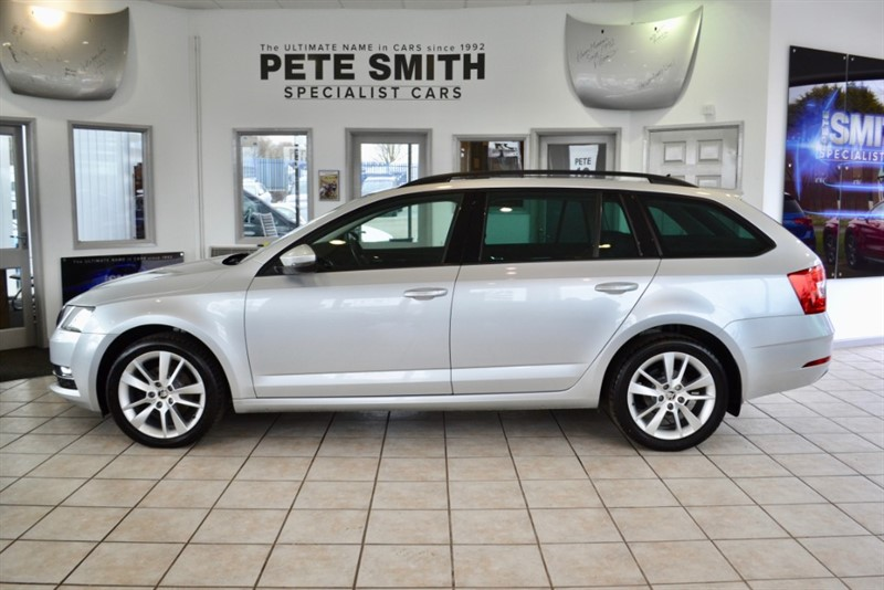 used Skoda Octavia 2.0 SE L TDI ESTATE ONE OWNER FROM NEW FULL SERVICE HISTORY NAVIGATION 2017/17 in forest-of-dean-gloucestershire