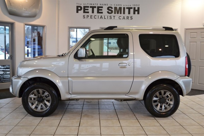 used Suzuki Jimny 1.3 SZ4 4X4 2017/17 COMPLETE WITH FULL SUZUKI SERVICE HISTORY in forest-of-dean-gloucestershire