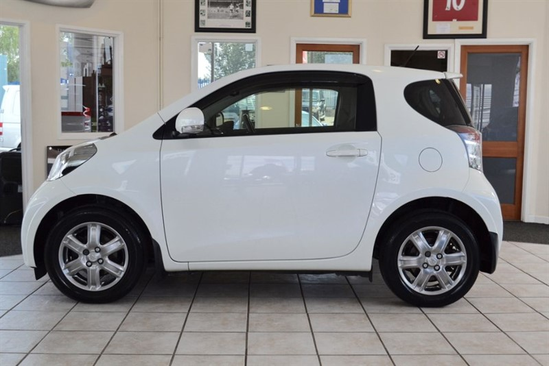 used Toyota iQ 1.0 VVT-I IQ2 AUTOMATIC WITH ONLY 26000 MILES FROM NEW in forest-of-dean-gloucestershire