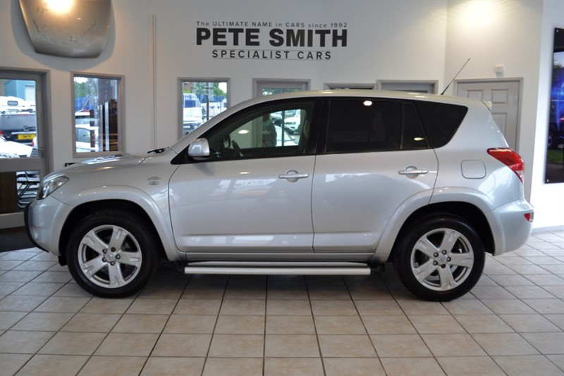 used Toyota RAV4 2.2 RAV-4 SR180 D-4D 2008/58 WITH BEIGE LEATHER TRIM in forest-of-dean-gloucestershire
