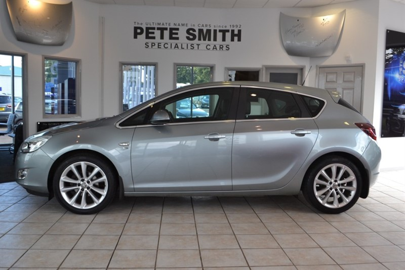 used Vauxhall Astra 1.6 SE 2010/10 in forest-of-dean-gloucestershire