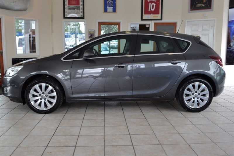used Vauxhall Astra 2.0 ELITE CDTI S/S WITH FULL LEATHER TRIM in forest-of-dean-gloucestershire