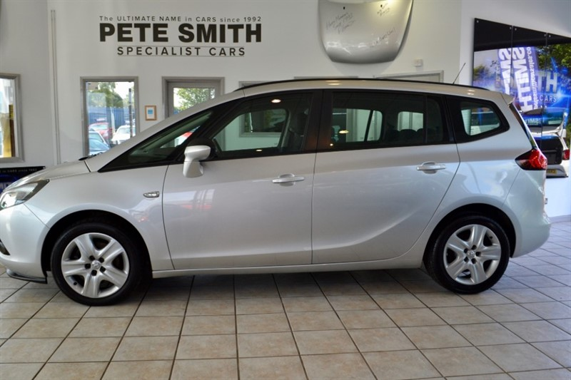 used Vauxhall Zafira Tourer 2.0 CDTi EXCLUSIV FULL SERVICE HISTORY 2015/15 in forest-of-dean-gloucestershire