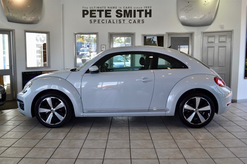 used VW Beetle 2.0 TDI BLUEMOTION DESIGN TECHNOLOGY ONLY 9000 MILES IN STUNNING WHITE SILVER  2017/17 in forest-of-dean-gloucestershire