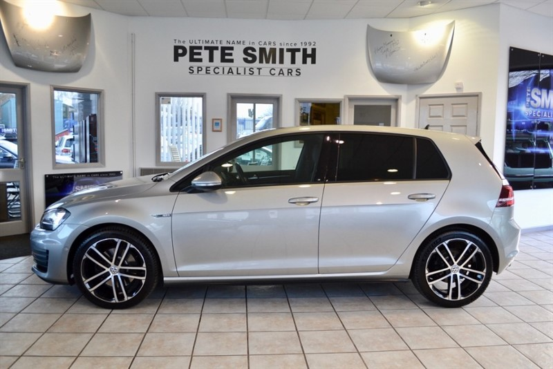 used VW Golf 2.0 GTD 5 DOOR HATCHBACK WITH PANORAMIC ROOF NAVIGATION 2016/66 in forest-of-dean-gloucestershire