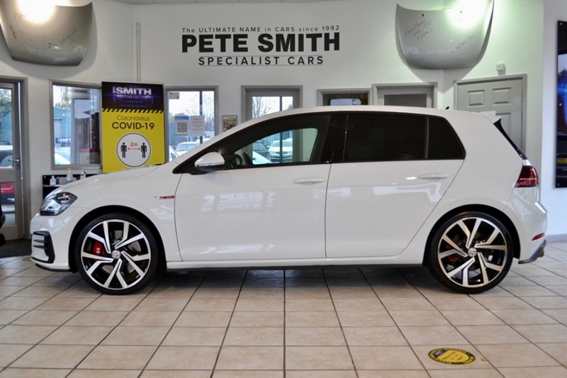 used VW Golf 2.0 GTI PERFORMANCE TSI 241 BHP 5 DOOR JUST 13000 MILES BLACK LEATHER AND PANORAMIC  SUNROOF 2019/19 in forest-of-dean-gloucestershire