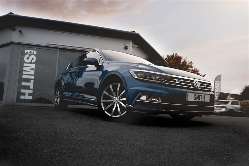 used VW Passat 1.5 TSi R-LINE EVO DSG AUTO 4 DOOR WITH JUST 9000 MILES HIGH SPECIFICATION 2018/68 in forest-of-dean-gloucestershire