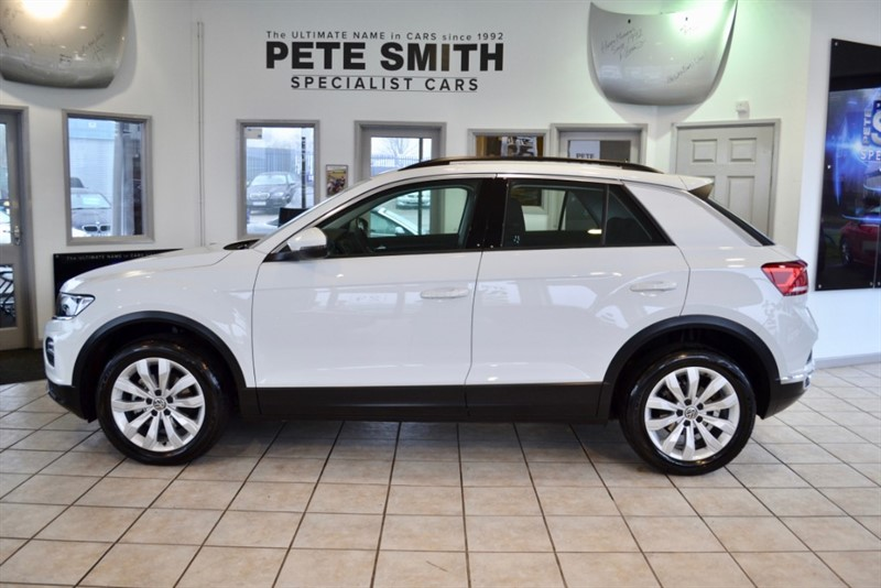 used VW T-Roc 1.5 SE TSI EVO DSG 5 DOOR ONE OWNER ONLY 6000 MILES APPLE CARPLAY 2019/68 in forest-of-dean-gloucestershire