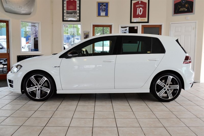 used VW Golf 2.0 TSI BLUEMOTION TECH R DSG 4MOTION WITH ONLY 461 MILES FROM NEW in forest-of-dean-gloucestershire