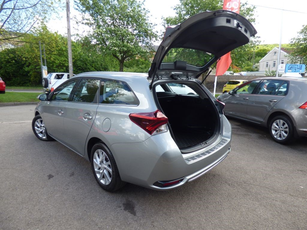 used toyota auris for sale swansea. Black Bedroom Furniture Sets. Home Design Ideas