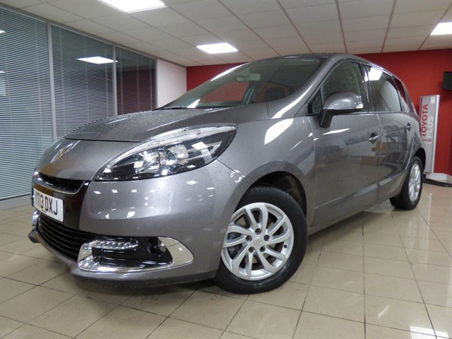 used Renault Scenic Dynamiquw TomTom DCI EDC in aberdare